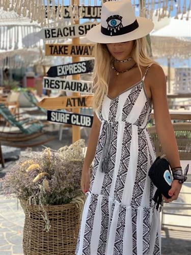 שמלת בוהו קומות שחור לבן