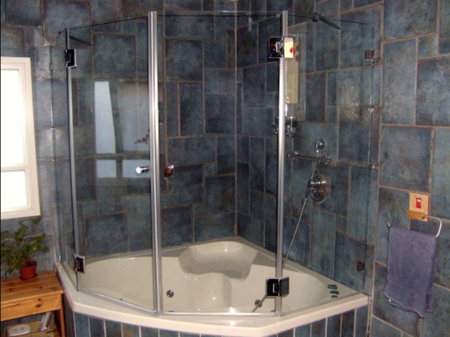אמבטיון פינתי ונציה
