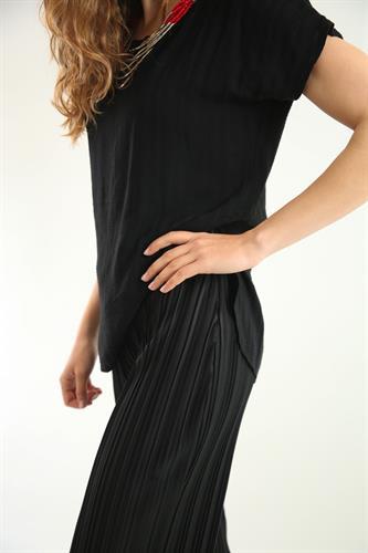 מכנס שחור פליסה מתרחב