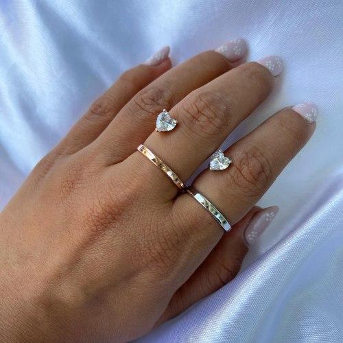 טבעת פס עם זרקון לב- כסף/רוס גולד