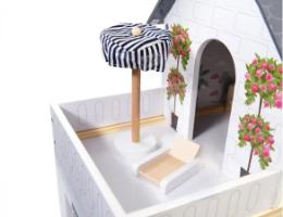 בית בובות דגם אמילי, קפיץ קפוץ