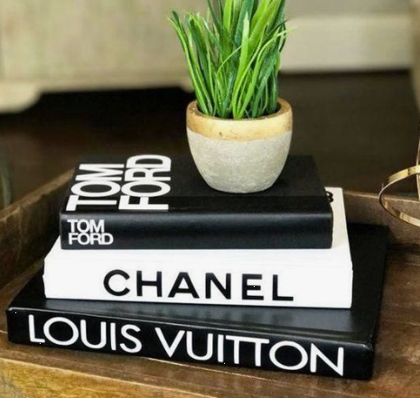 Set Chanel and Louis Text two stamps