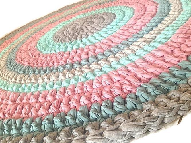 שטיח סרוג צבעי יוניסקס, שטיח סרוג לחדר הילדים, שטיח סרוג לחדר משותף לבת ולבן, שטיח מטריקו, שטיח סרוג בטריקו, שטיח בשילוב ורוד, תורכיז ואפור