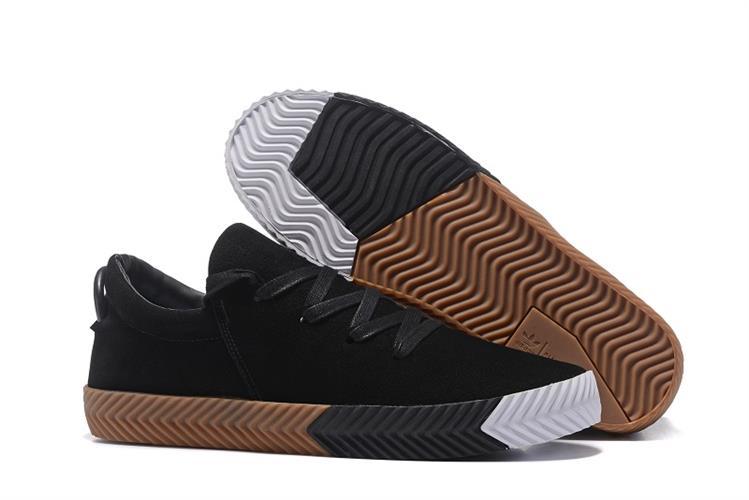 נעלי  Adidas by ALEXANDER WANG