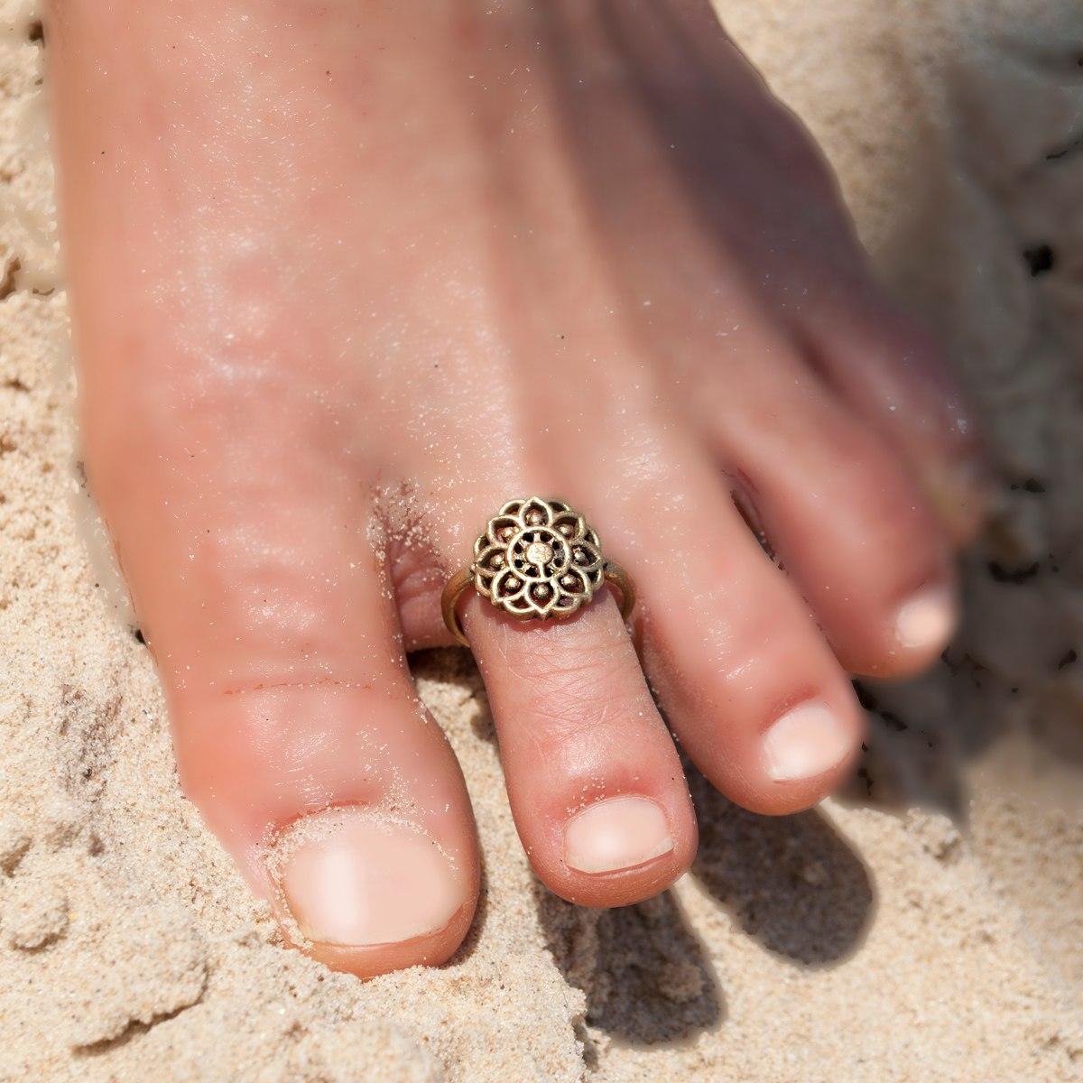 טבעת רגל פרח מנדלה בראס