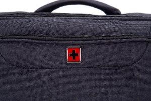 """מזוודה בינונית 24"""" SWISS ALPINE בד קלה וסופר איכותית - צבע שחור"""