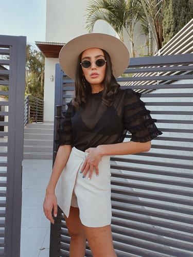 חולצת שיפון קומות - שחורה