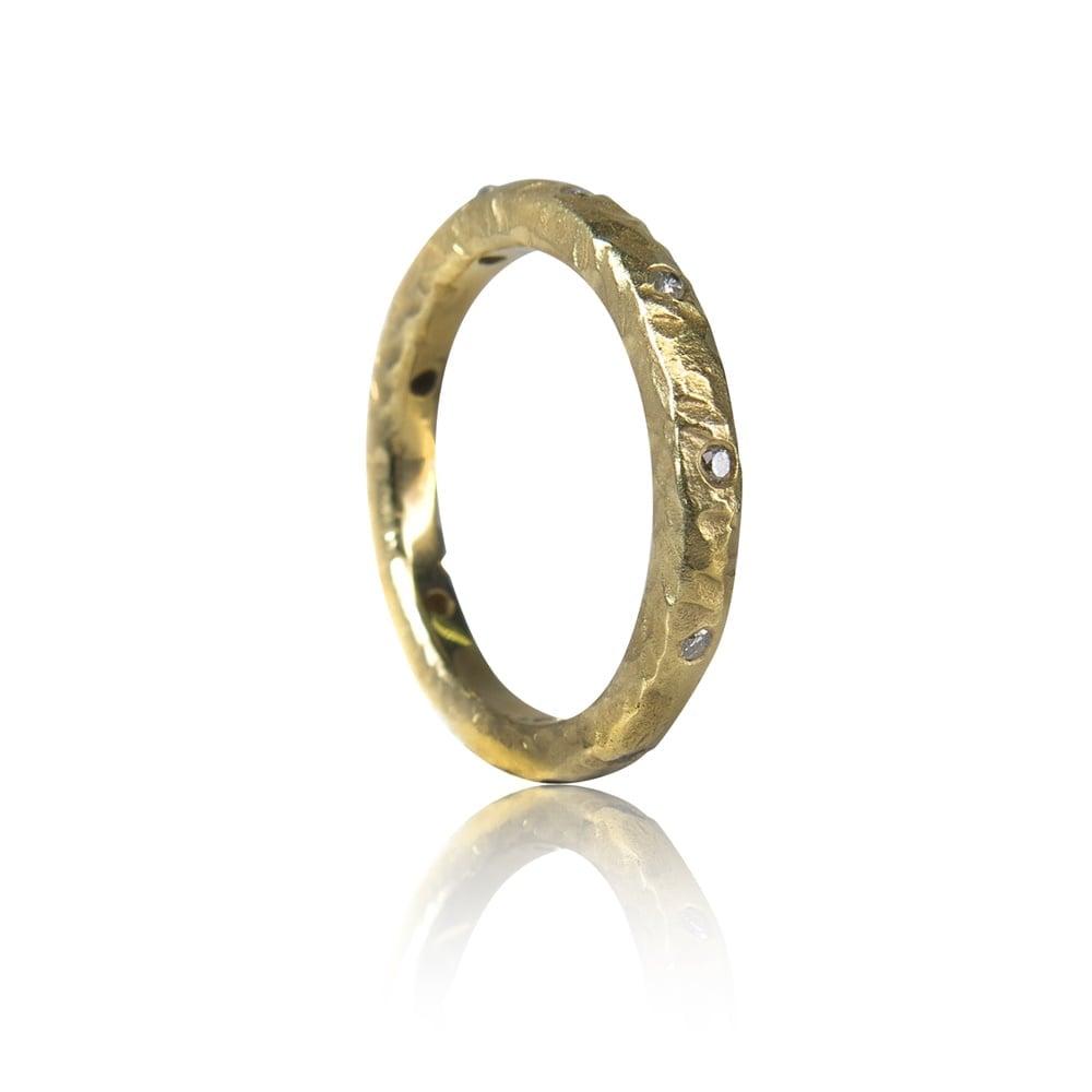 טבעת זהב 14 קרט משובצת יהלומים 0.12 קראט