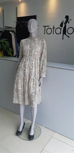 שמלת אלמוג