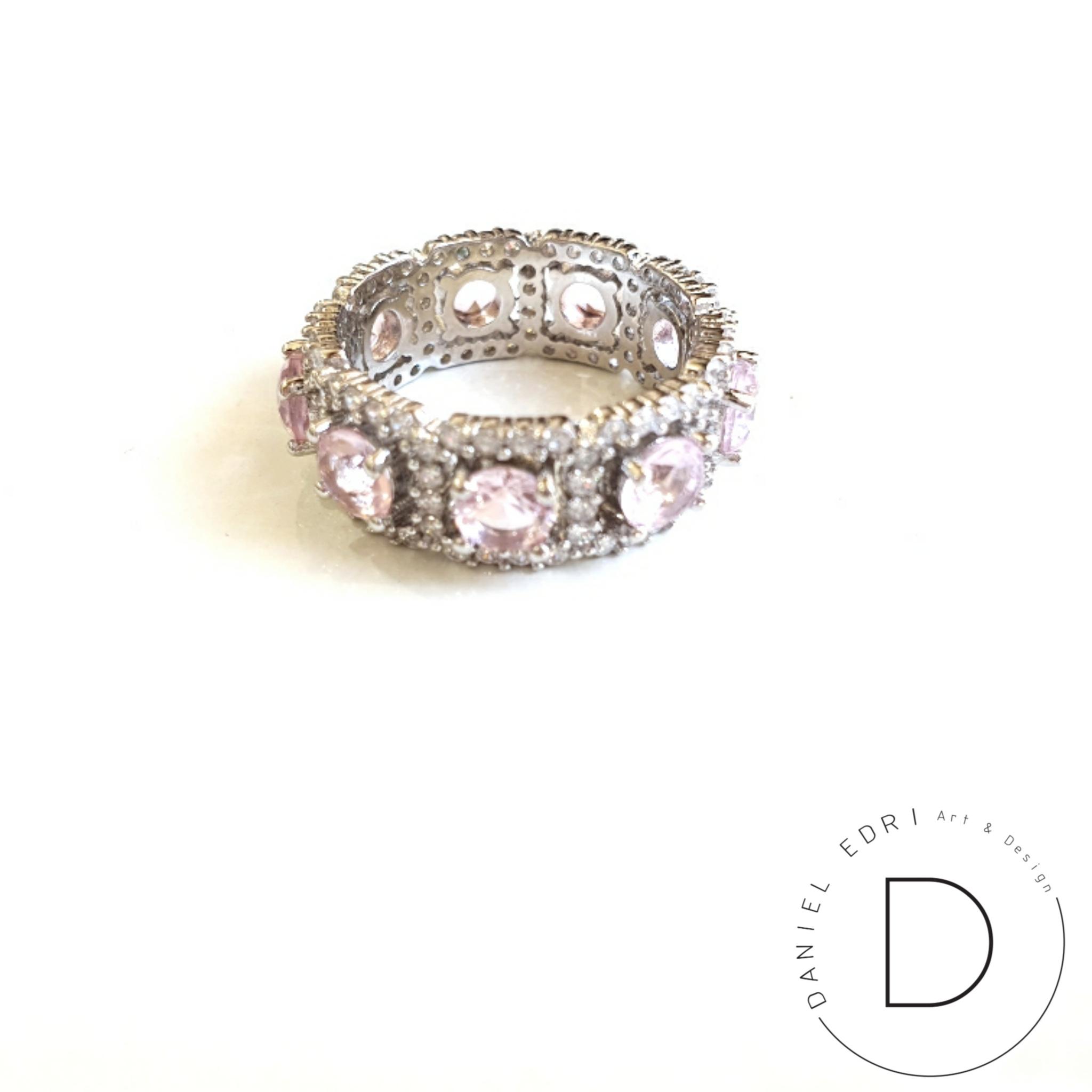 טבעת ריבועים משובצת- ורוד בהיר