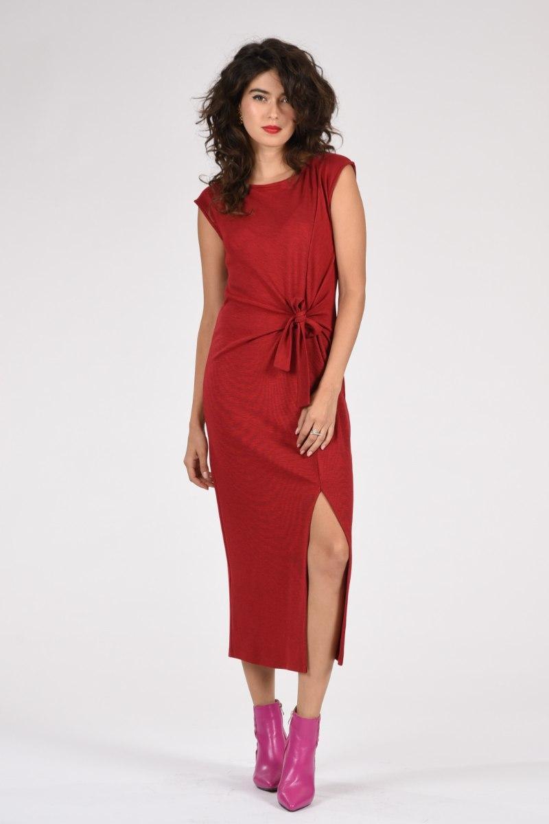 שמלה טאי