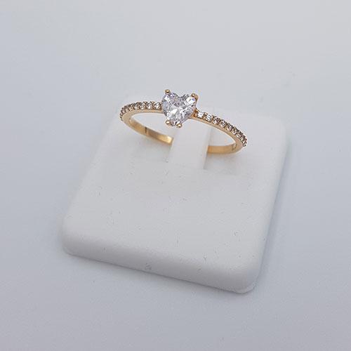 טבעת זהב 14K אבן לב משובצת זרקונים