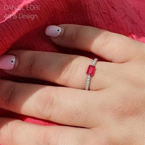 טבעת מלבן אדום- כסף 925