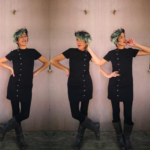 שמלת סיקסטיז שחורה קטנה מידה S