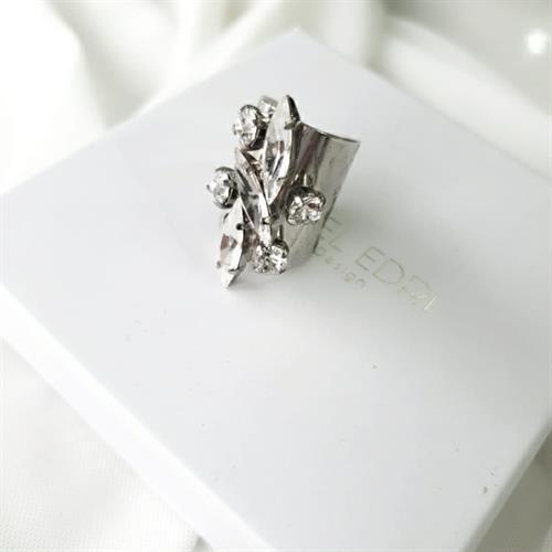 טבעת עבה שיבוץ סברובסקי 1