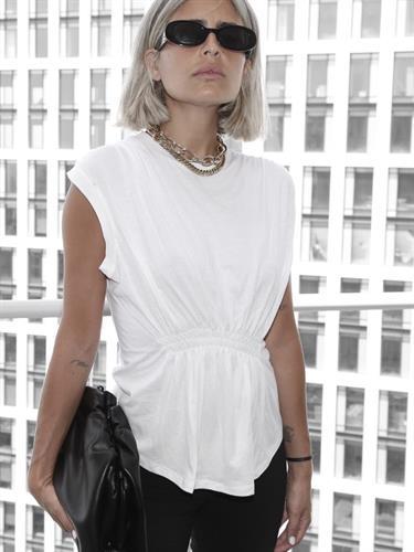 חולצת איימי כיווצים לבן
