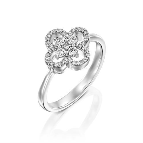 טבעת מפתח הלבבות משובצת יהלומים בזהב לבן או צהוב 14 קראט