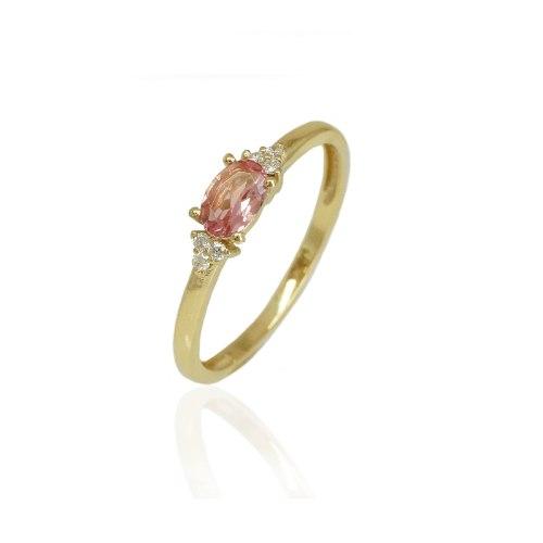 טבעת זהב מיוחדת עם יהלומים ואבן טורמלין