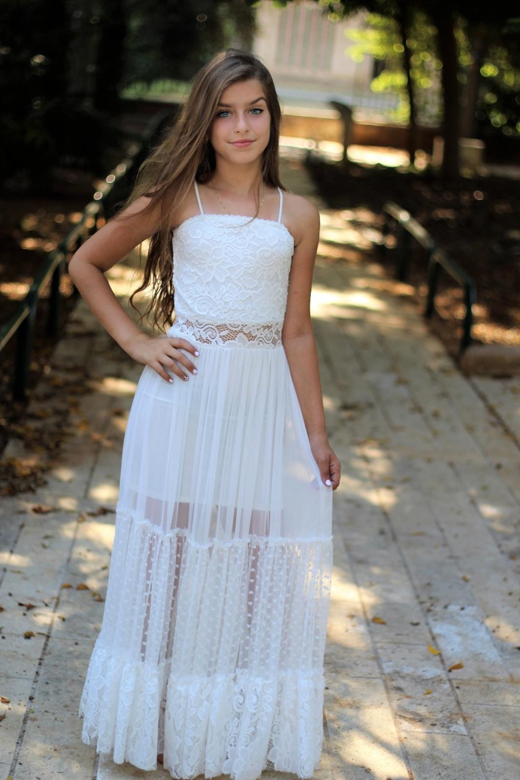 שמלת מקסי שילוב תחרה ושרוולים