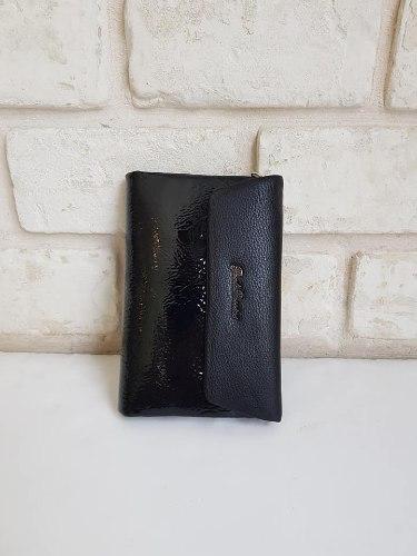 ארנק דמוי עור בינוני שחור לקה 4062