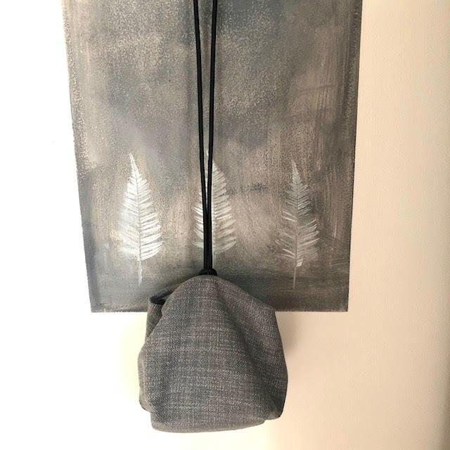 תיק צד יפני בצבע אפור מבד