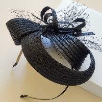 קשת מעוצבת בסטייל צעיר ומודרני - שחור עם רשת