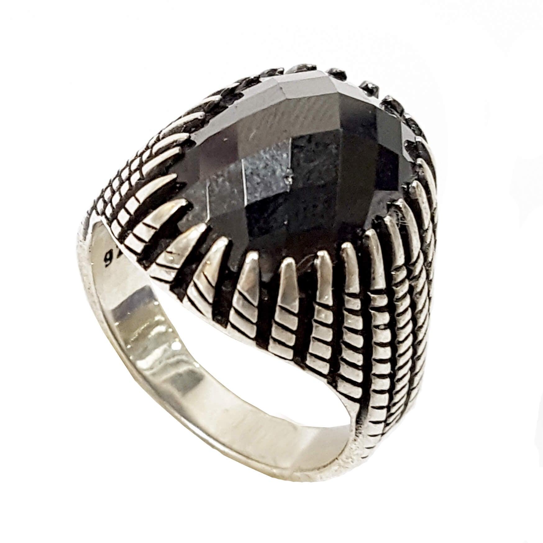 טבעת כסף לגבר משובצת ספינל שחור RG9901