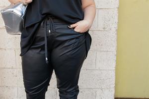 מכנסיי בלנד שחור
