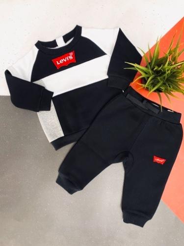 Levis חליפת פוטר שחור לבן לוגו אדום מידות 3 חודשים עד 4 שנים
