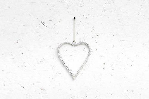 לב נצרי עץ - לבן