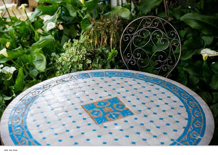 שולחן מוזאיקה טורקיז בז'