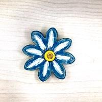 פרח קטן לתליה 8.5 סמ'