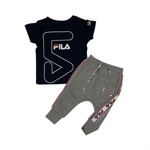 חליפת FILA תינוקות - חולצה כחולה קצרה ומכנס אפור ארוך עם פס לבן/אדום
