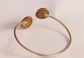 צמיד כסף עם מטבעות שקל קדום מפליז
