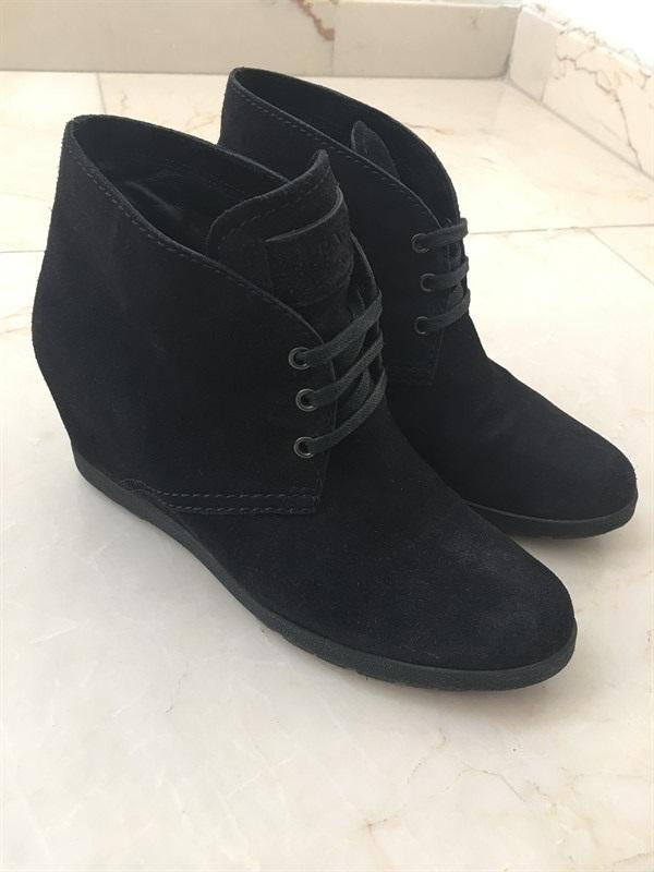 נעליים PRADA  מידה 37