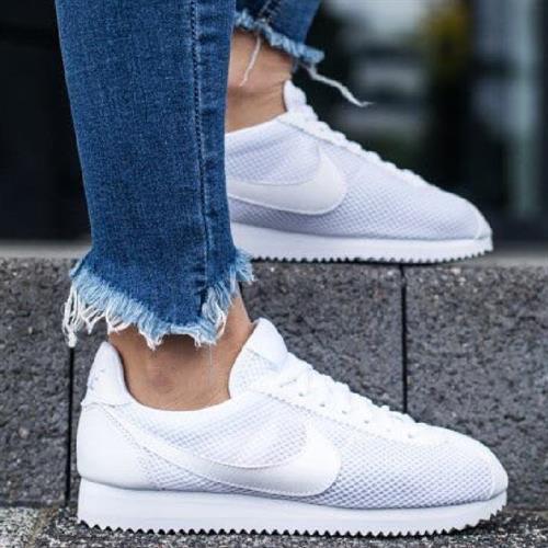 נעלי נשים נייק קורטז צבע לבן דגם 905614 101