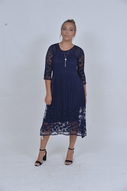 שמלת תחרה כחולה