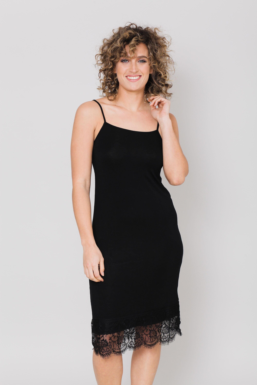 שמלת בסיס שחורה