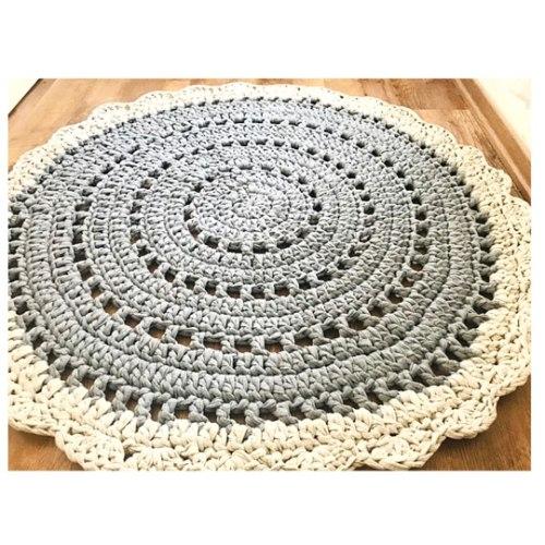 שטיח לעיצוב חדרי הילדים והבית, שטיח סרוג בדוגמת  וינטאג'י בגווני האפור .דגם אסף