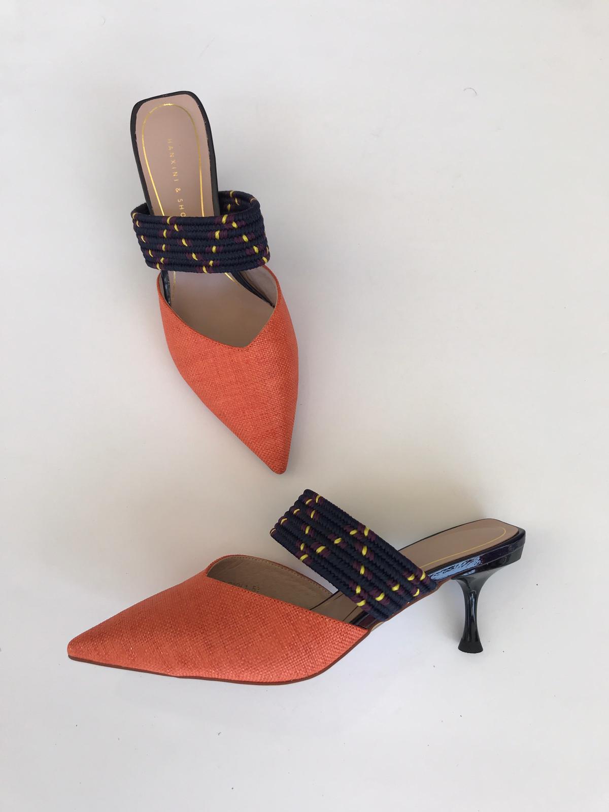 נעלי איבון