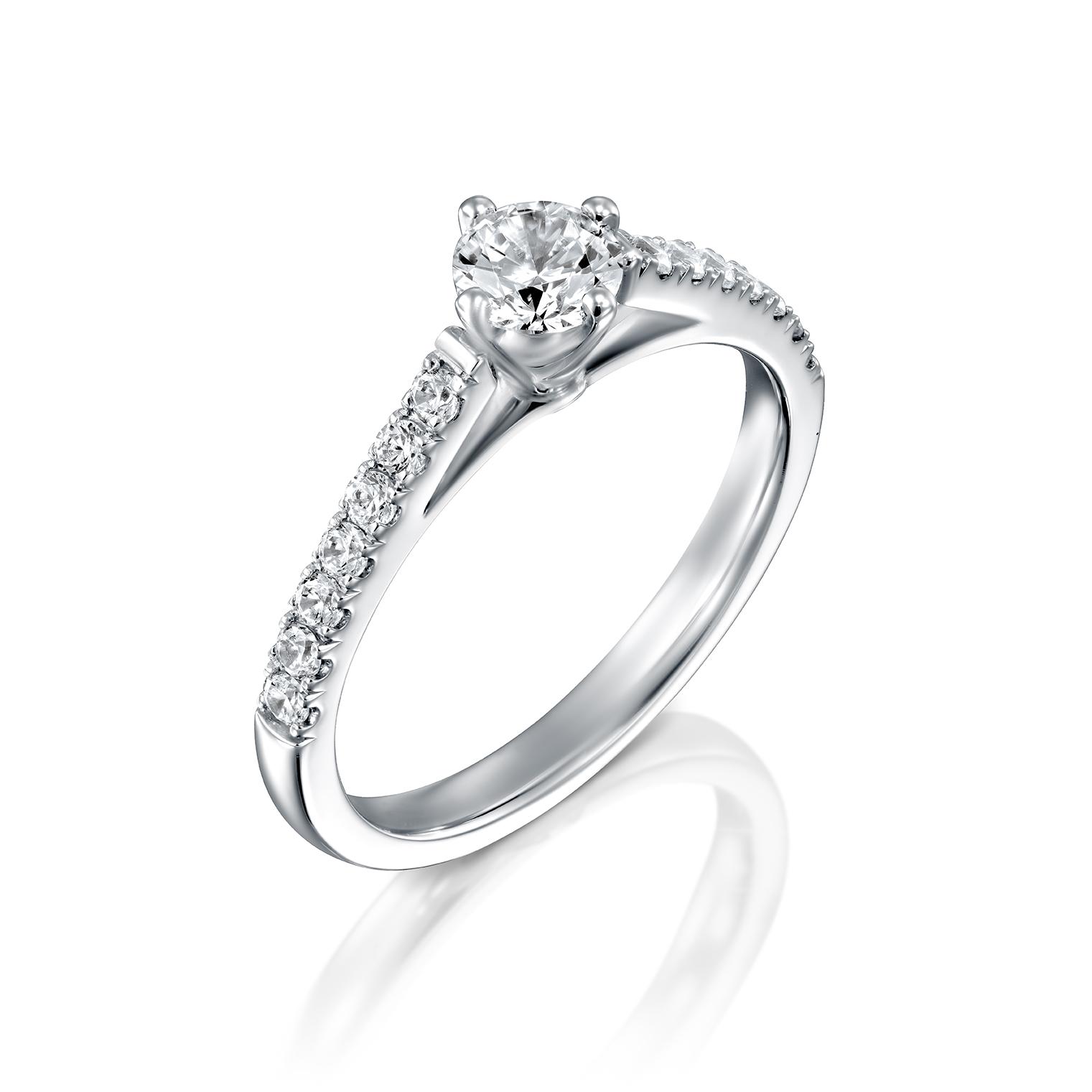 טבעת אירוסין זהב לבן 14 קראט משובצת יהלומים  TOMER
