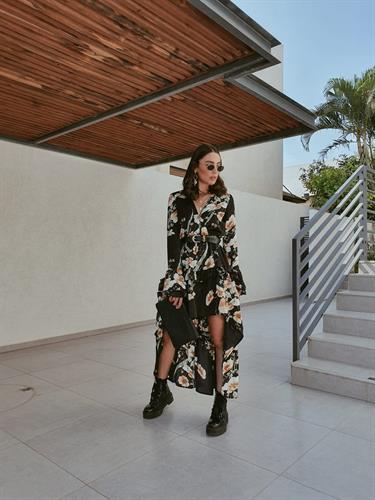 שמלת אדריאנה - שחורה