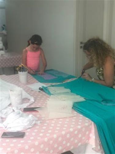 סדנת אמהות ובנות- שמלת חג