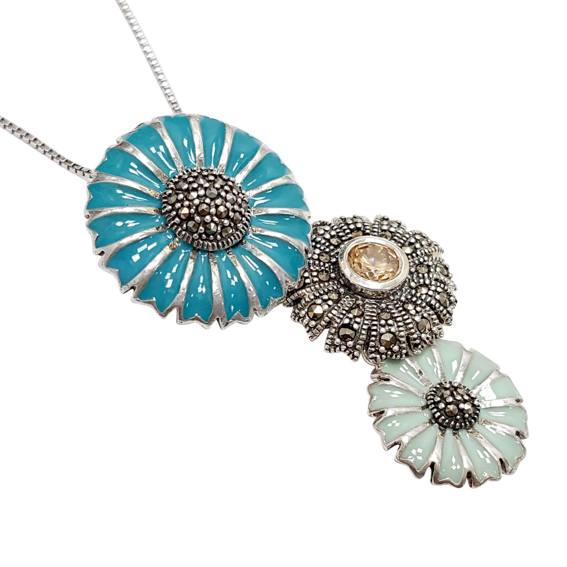 """תליון מכסף דגם """"3 פרחים"""" משובץ מרקזטים, אבן סיטרין ואמייל צבע כחול T5992"""