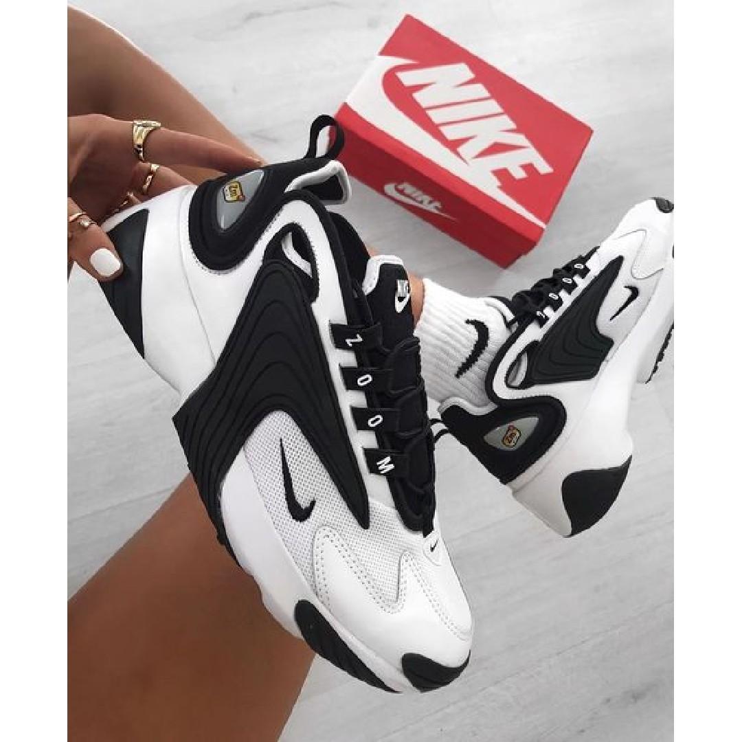 נעלי נשים נייק זום 2K צבע לבן/שחור
