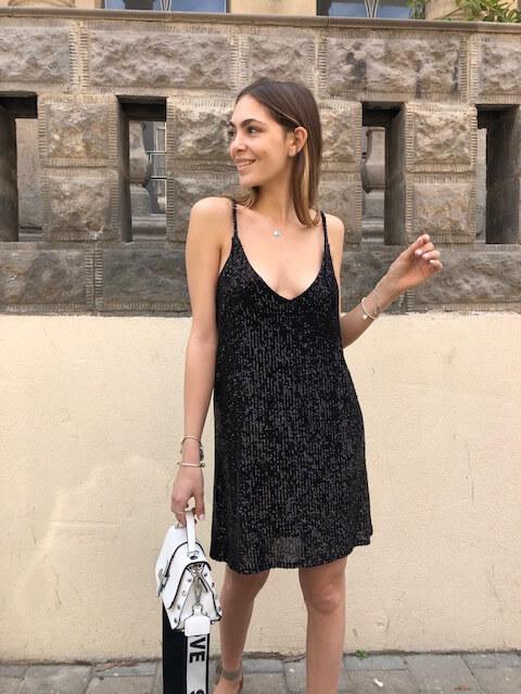 שמלת סטפני פייטים שחורה