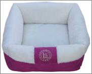 מיטה מלבנית עם פרווה ורוד/לבן 19*50*50