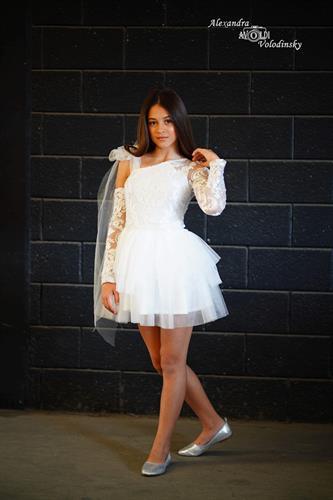 שמלת אלגנט קומות שילוב תחרה כתף אחת
