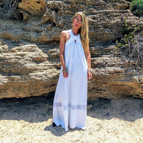 שמלת הלקוניה לבנה