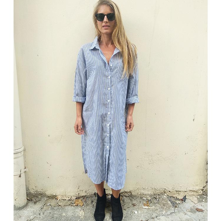 שמלת גריס מכופתרת כחול לבן